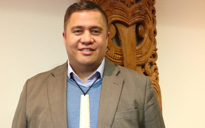 Che Wilson nō Ngāti Rangi, Te Atihaunui a Papārangi.