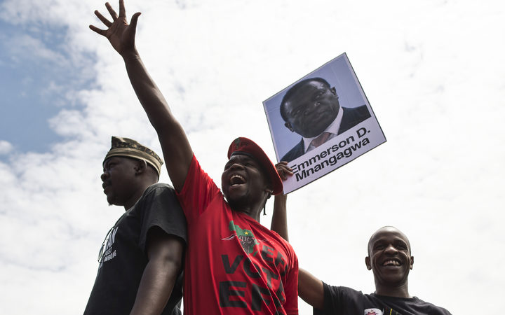 Celebrations on the streets as Zimbabwe president Robert Mugabe resigns