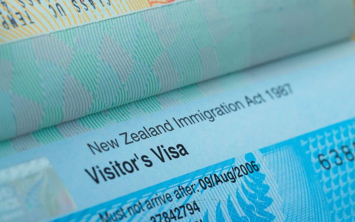 Businesses and immigrants hit out at visa delays | RNZ News