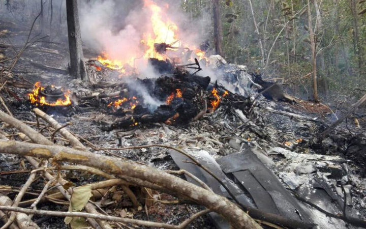 Twelve people have been killed in a plane crash in western Costa Rica, officials say.