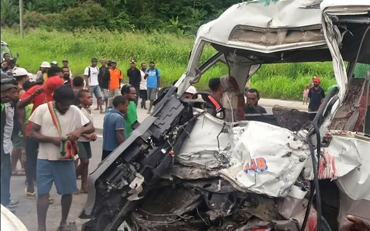 At least 10 killed in accidents on PNG's Highlands Highway | RNZ News
