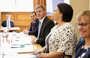National Party leader Bill English (centre) and Paula Bennett (2nd right).
