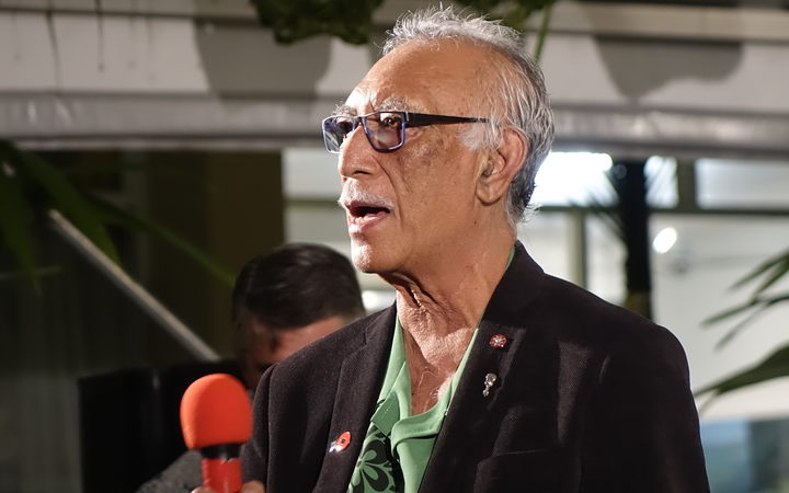Niue govt delays new import regime