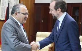 UN High Commissioner for Human Rights, Zeid Ra'ad Al Hussein (right) meets PNG Prime Minister Peter O'Neill.