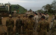 Members of the PNG Defence Force meet their NZ counterparts.