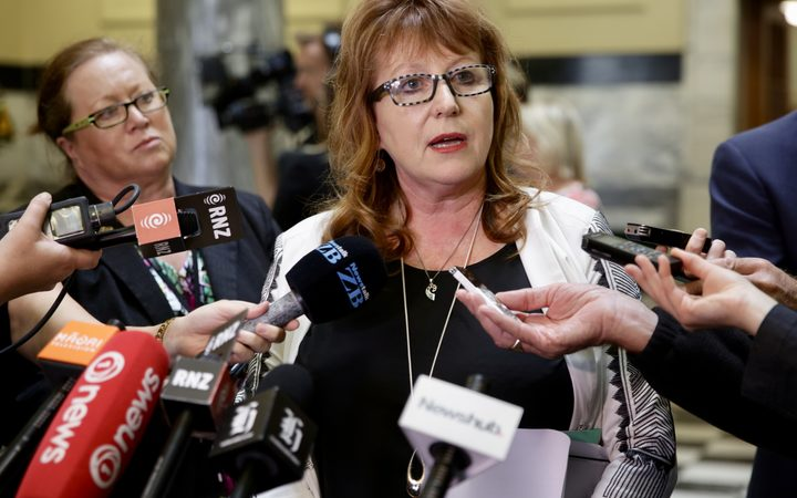 Carol Hirschfeld resigns over meeting minister: 'There's serious questions here'