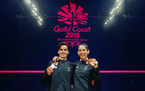 Joelle King won gold in the women's squah singles and Paul Coll took out silver in the men's singles at the Commonwealth Games.