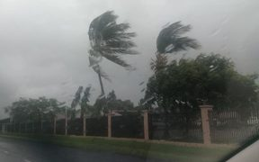 Cyclone Keni - Fiji waits for cyclone to hit