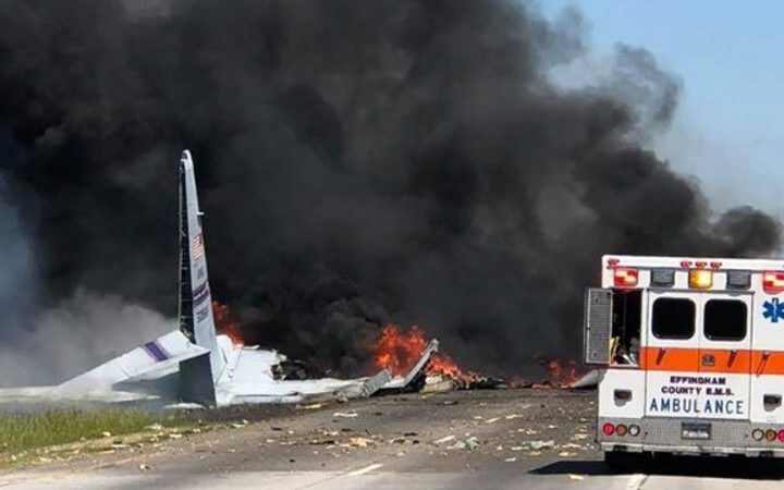 Nine feared dead after military plane crash in US | RNZ News