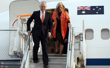 Australian PM Malcolm Turnbull arrives in Auckland with his wife, Lucy, on 16 October 2015.