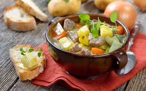 Stew with lamb, potatoes and other vegetables.