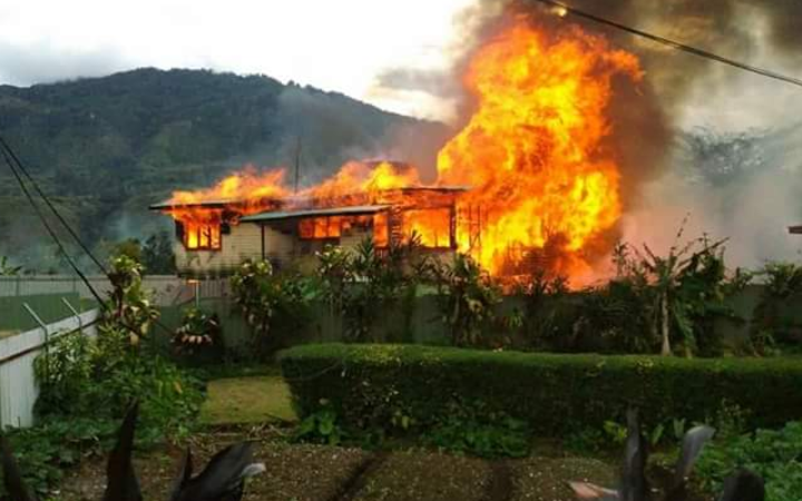 The fire at Mendi Airport.