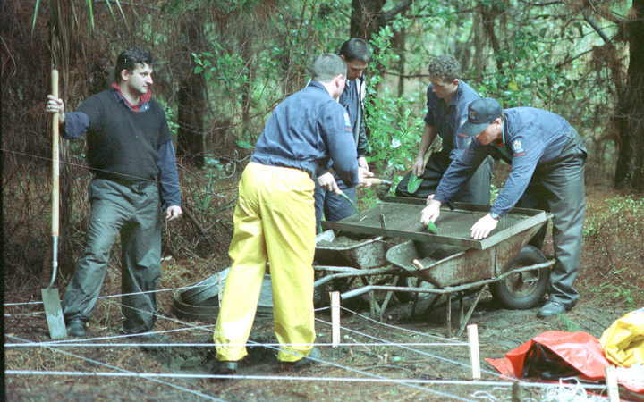 Police recover the remains  of murdered prostitute Leah Stephens at Woodhill forest 19th June 1992 three years after she went missing from K Road