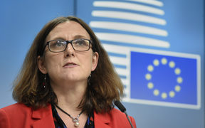 European Union Commissioner of Trade Cecilia Malmstrom (L) talks during a joint press conference after a Foreign Affairs Trade Ministers meeting at the EU headquarters in Brussels on May 22, 2018.  / AFP PHOTO / JOHN THYS