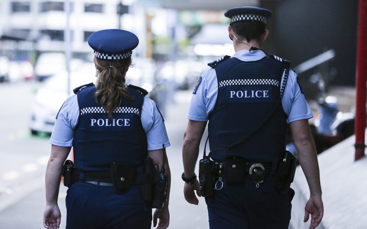 Deported Australian gang members predicted to attempt to corrupt police