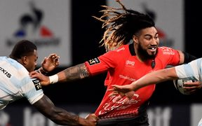 Toulon's Ma'a Nonu is tackled by Racing 92's Virimi Vakatawa during the French Top14 rugby union match Racing 92 vs RC Toulon on April 8, 2018 in Paris