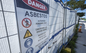 Hobsonville Primary School have asbestos that needs to be removed as soon as possible but some parents say that it should wait till the school holidays so that less children are around once it becomes airbourne.