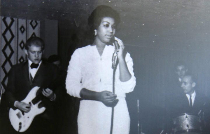Aretha Franklin sings in this undated handout photo from the New Bethel Baptist Church.