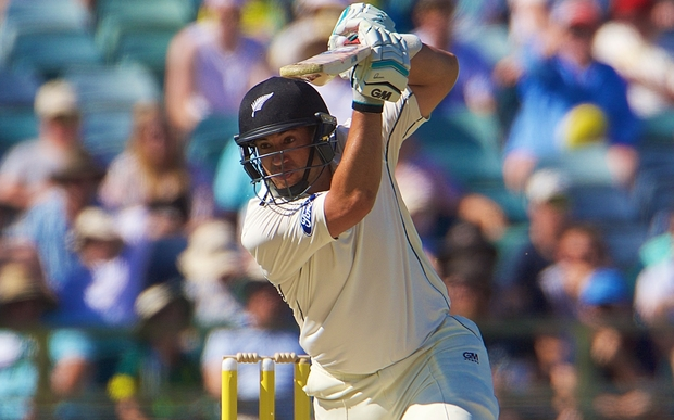 Ross Taylor of the New Zealand Black Caps drives during Day 3 on the 15th of November 2015. The New Zealand Black Caps tour of Australia, 2nd test at the WACA ground in Perth, 13 - 17th of November 2015.