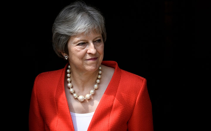 PM May stands firm on her Brexit strategy