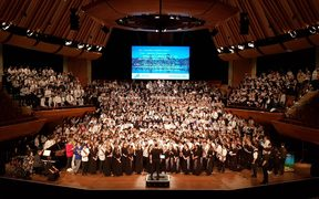The Big Sing Grand Finale ended with a massed choir of all the singers