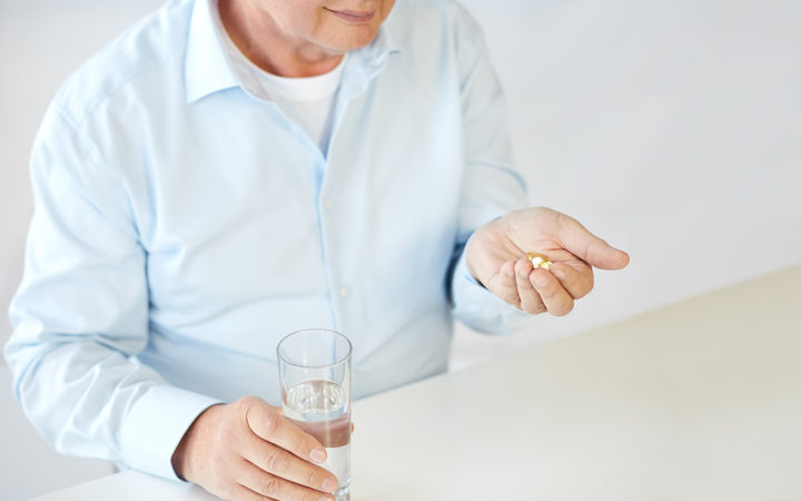 Low dose aspirin risks overwhelm benefits in healthy elderly