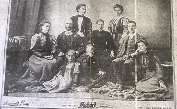 George Frederick  and Mary Jane Carpenter (in black, centre) with Alice, Edith, Harriet, Frederick, Gladys, William and Emily c. 1897
