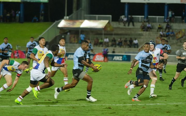 The Fijian Drua find some space.