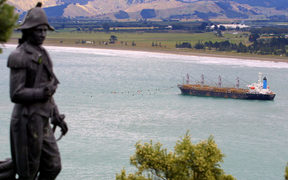 A statue of British explorer Captain James Cook taken in 2002 in Gisborne.