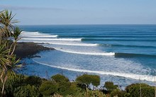 Raglan surf break