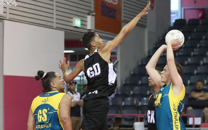 New Zealand defending Australia during 2018 trans-Tasman Cup