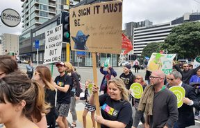 Primary teachers and principals in Wellington hold a rally on the last day of a week of strike action around the country.