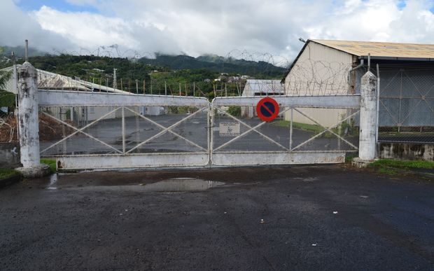 Clsoed French military base in Tahiti