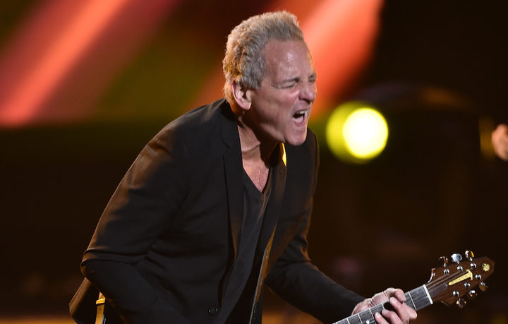 Guitarist Lindsey Buckingham settles lawsuit with former Fleetwood Mac bandmates
