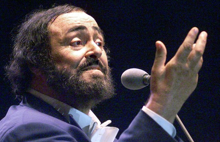 Luciano Pavarotti performs in Beirut City stadium in 1999