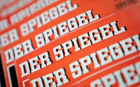 "Several issues of the news magazine ""Der Spiegel"" lie on top of each other."