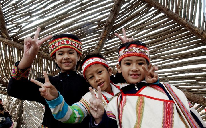 A group of Austronesian children in Taiwan.