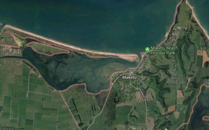 人体骨骼在Maketū的海滩上被冲走了。