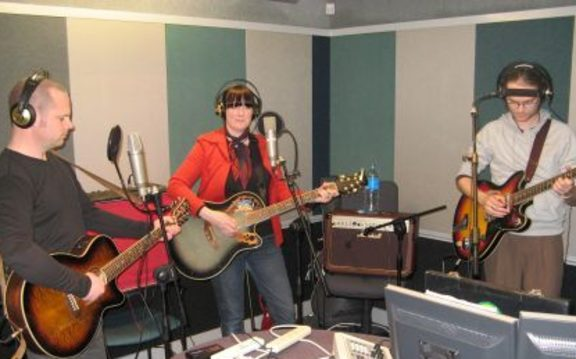 The Broken Heartbrakers in session for Music 101, 2009.