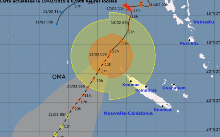 Cyclone Oma tracking map - Feb 19 2pm (local time)