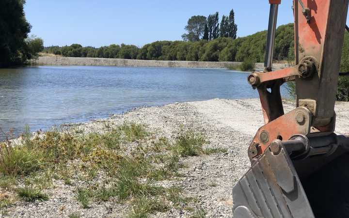 Tasman District Council has used emergency powers to build a bund across a section of the Waimea River, to try and stop sea water getting into fresh water supplies