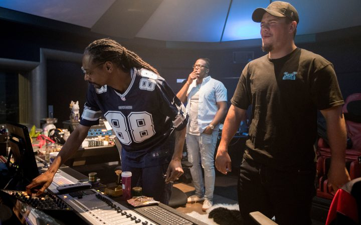 Hawkes Bay rapper releases song with Snoop Dogg | RNZ