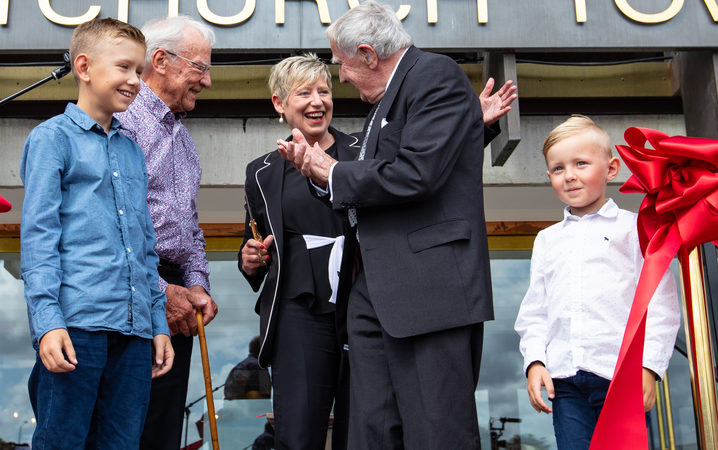 Sir Harold Marshall, Lianne Dalziel, Sir Miles Warren, and Gus and Connor Jensen