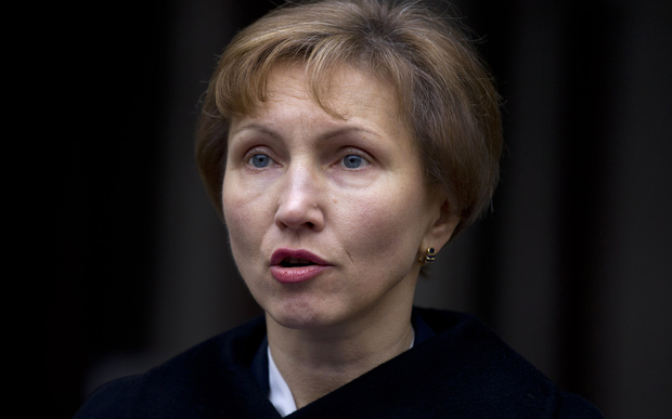 Marina Litvinenko, widow of Russian former spy Alexander Litvinenko, addresses journalists outside the Royal Courts of Justice in central London on Janurary 21, 2016.