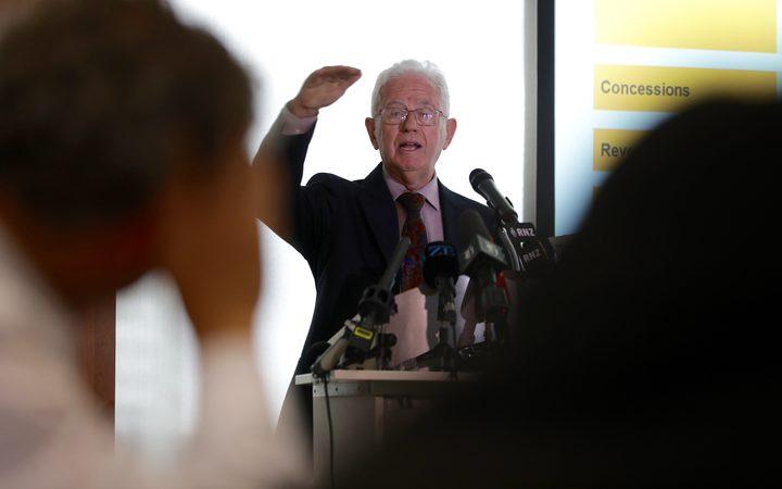 税务工作组主席Michael Cullen爵士