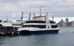 A Fullers ferry heading from the city to Devonport.