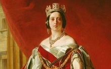 This painting - of Queen Victoria in the 1840s - was gifted to Waitangi by Queen Elizabeth in the 1970s. It is currently being held by the Waitangi National Trust.