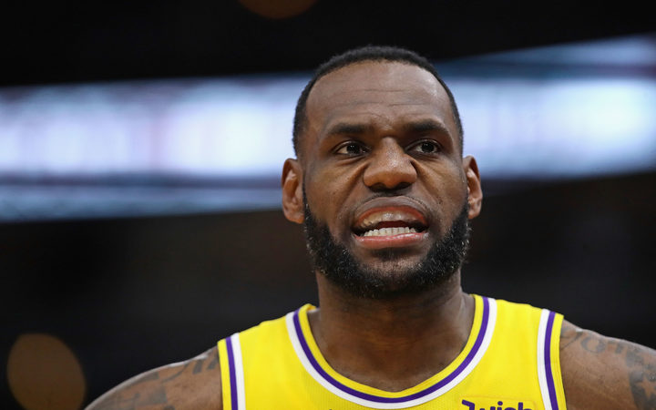 LeBron, Lakers eliminated from playoff contention