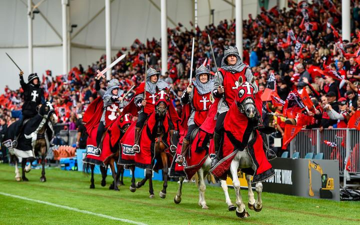 超级橄榄球比赛期间的十字军马匹在克赖斯特彻奇体育场,2019年3月9日。