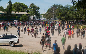 Crowds rioting in Honiara after Manasseh Sogavare was voted in as PM.